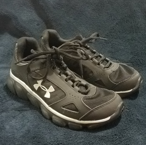 Under Armour Other - Under Armour Boys Sneakers